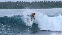 Catat! Ini Destinasi Surfing Populer di Sinabang
