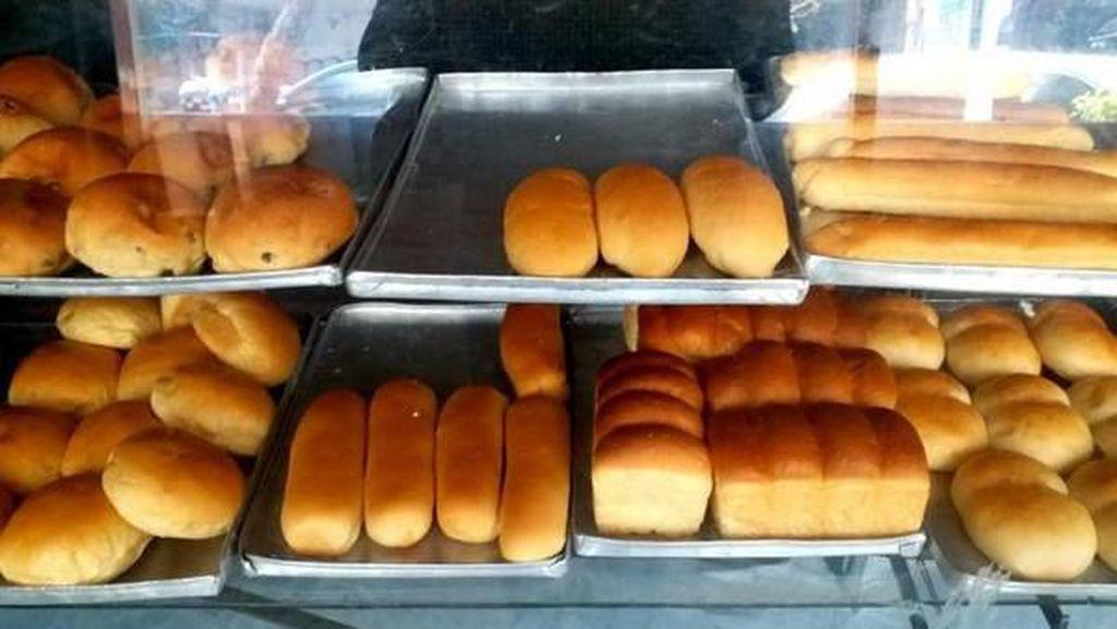 Foto: Toko Roti Legendaris di Bandung