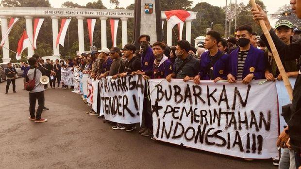 Mahasiswa Bogor Cerita Demo Berujung Dipukul Polisi: 8 Kawan Kami Luka