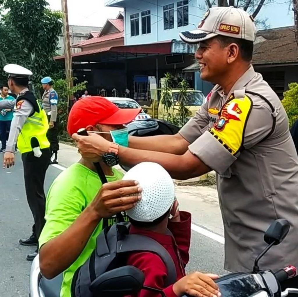 Natuna Kepri Dikepung Asap, Polres dan Pemkab Bagikan Masker