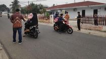 Bagikan Masker, Puluhan Karyawan Hutama Karya Turun ke Jalan