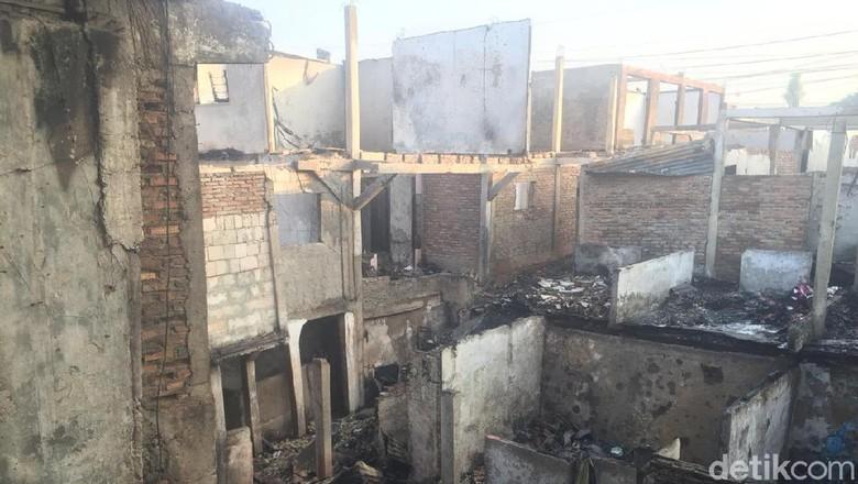 Korban Kebakaran di Jatinegara Mengeluh Sakit ISPA dan Ketersediaan Obat