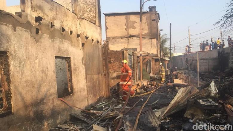 Cerita Warga soal Kebakaran di Jatinegara: Api Membesar dalam Hitung Menit