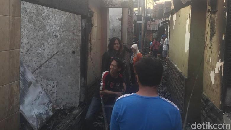 Potret Kebakaran di Jatinegara yang Hanguskan Ratusan Rumah