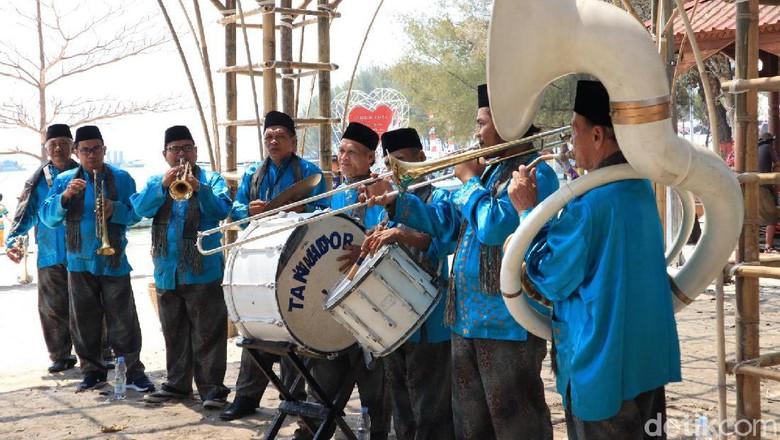 Orkes Tanjidor Betawi di , meriahkan Oceanik Folk Festival Jakarta (Randy/detikcom)
