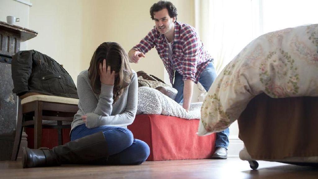 Kisah Sedih Wanita yang Saat Menikah Sampai Cerai Terus Alami KDRT