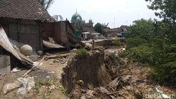 Longsor di Bantaran Sungai Bengawan Solo, 7 Rumah Warga Rusak