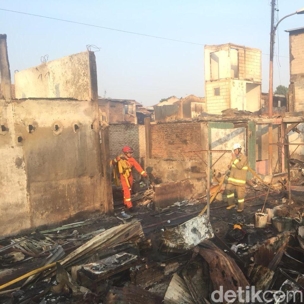 Kebakaran di Jatinegara, 1 Warga Alami Luka Bakar