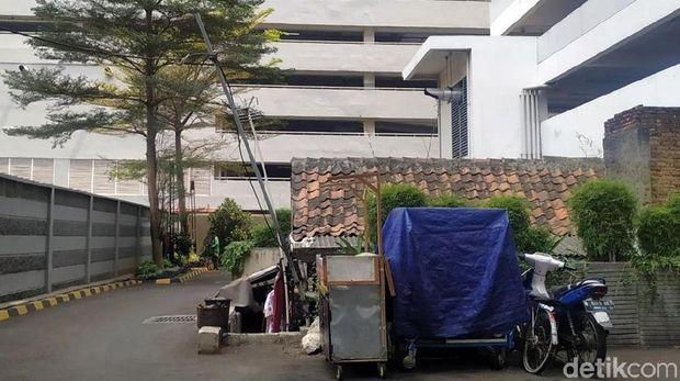 Penampakan rumah tua di kawasan Thamrin Executive Residence.