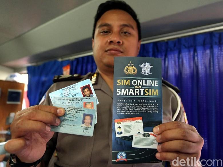 Syarat Perpanjang SIM Online dan di Layanan Keliling/Foto: Rengga Sancaya