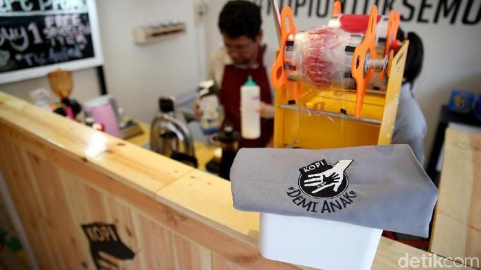 Keuntungan kedai kopi ini juga disalurkan untuk anak-anak yang tak mampu (Foto: Rachman Haryanto/detikHealth)