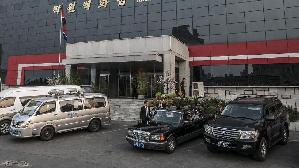 Pemandangan Langka, Deretan Transportasi di Korea Utara
