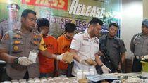 Polisi Surabaya Sita 2,5 Kg Ganja dan 48 Ribu Pil Koplo dari 2 Orang