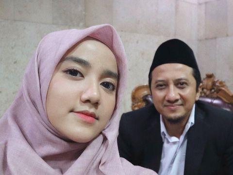 Wirda Mansur dan ayahnya, Ustaz Yusuf Mansur.