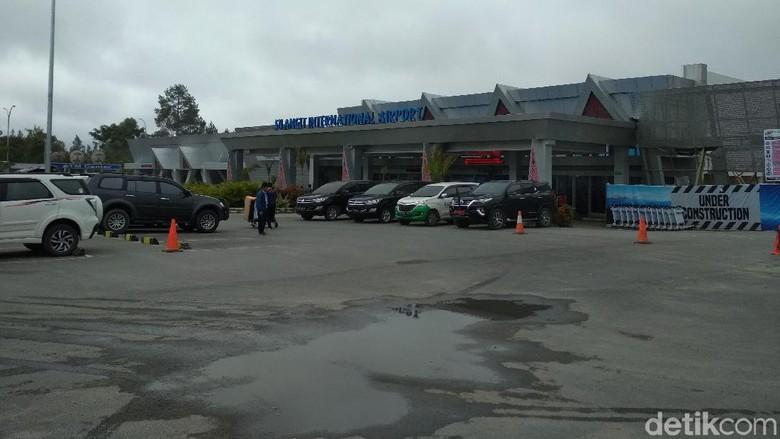 Bandara Silangit Diselimuti Kabut Asap, Seluruh Penerbangan Ditunda
