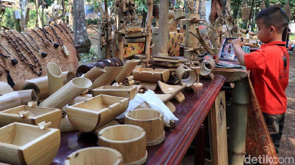 Aneka Kerajinan Cantik Ini Terbuat dari Bambu