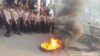 Kawat Berduri Diinjak, Massa Pro-Pimpinan Baru Paksa Masuk KPK
