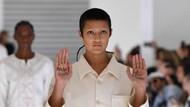 Tampil Bak Pasien RSJ, Model Mendadak Gelar Protes di Fashion Show Gucci