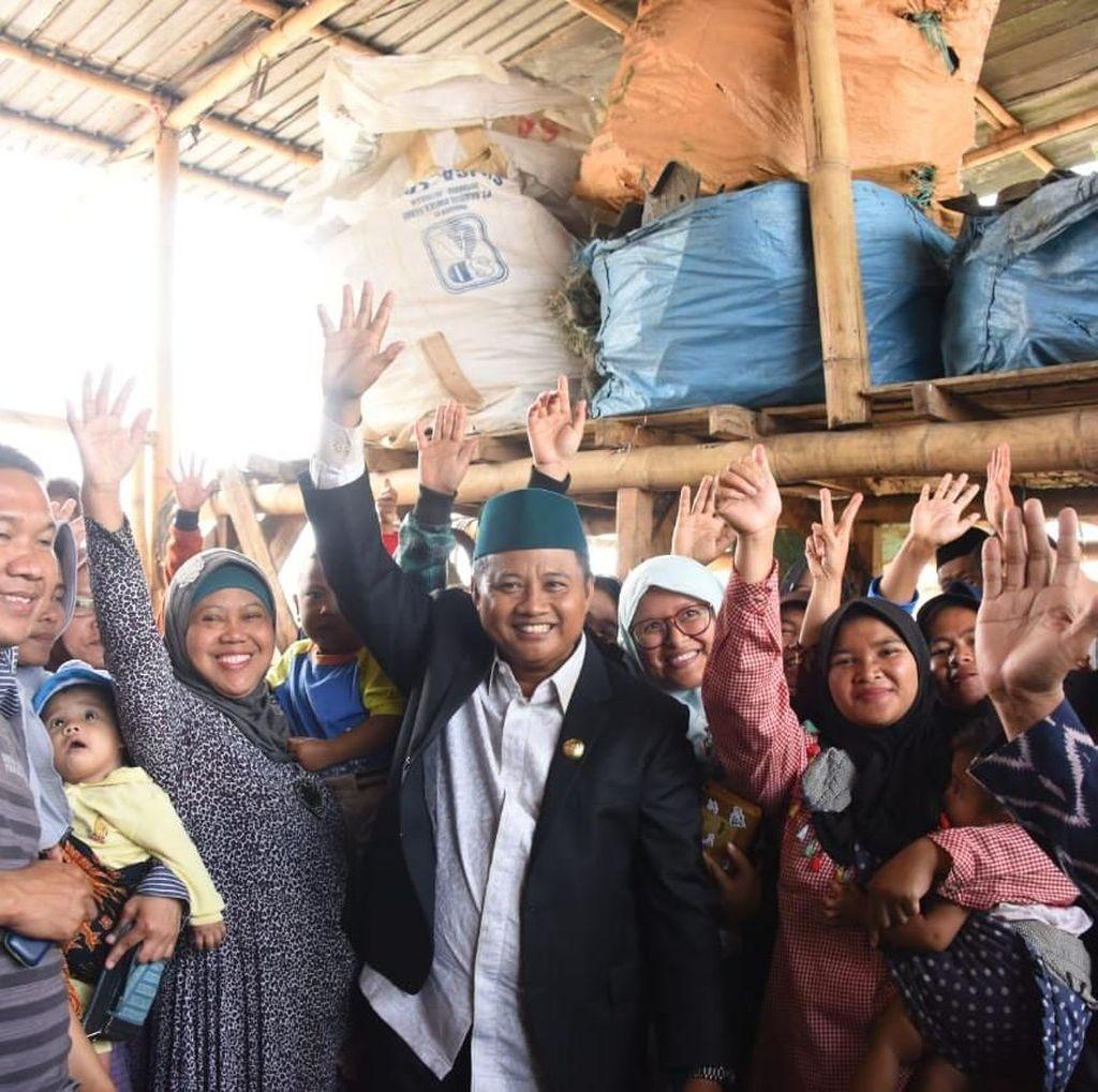 Wagub Jabar Apresiasi Pengelola Bank Sampah Hade Jaya di Garut