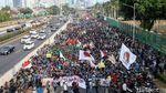 Potret Massa Aksi Demo di Depan Gedung DPR