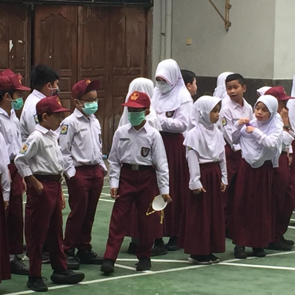Ada Kabut Asap, Sekolah di Medan Batalkan Upacara Bendera