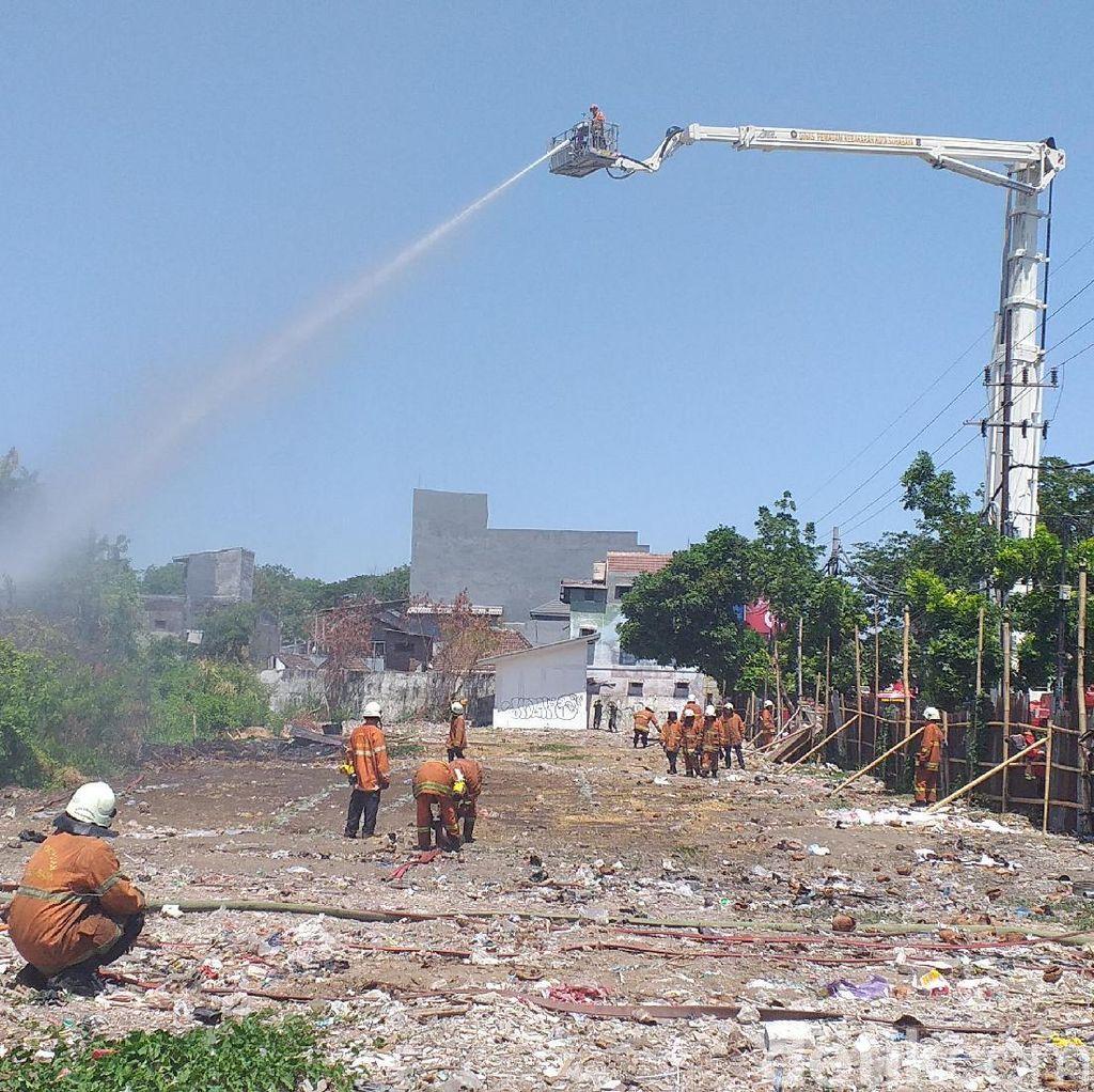 Gara-gara Bakar Sampah, Tiga Atap Rumah Warga Terbakar