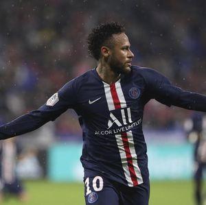 MU Nyaris Rekrut Neymar, Batal karena Doyan Pesta dan Ayahnya Mata Duitan