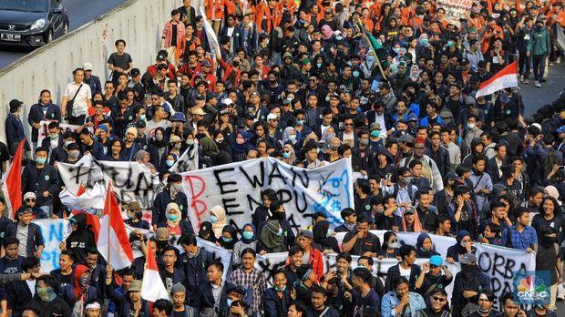 Pasar Tertekan Demonstrasi RUU KUHP, Lelang Obligasi Terancam