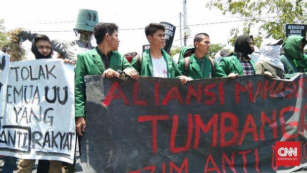 Demo di Makassar, Mahasiswa Serukan Jokowi Lengser