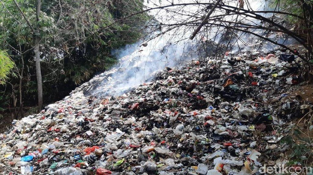 Bayi Jadi Korban, Warga Minta Pemda Segera Tangani Gunung Sampah di Cilebut