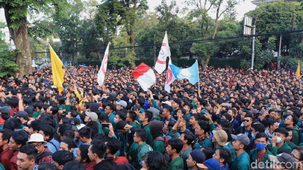Bakal Ada Demo Mahasiswa-Petani, Polisi Siapkan Rekayasa Lalin Depan DPR
