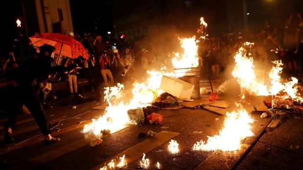 Demo Kian Anarkis, Hong Kong Tak Pantas Jadi Pusat Keuangan?