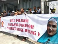 Disebut Perekor oleh Massa di Garut, Mulan Jameela Sibuk Kajian