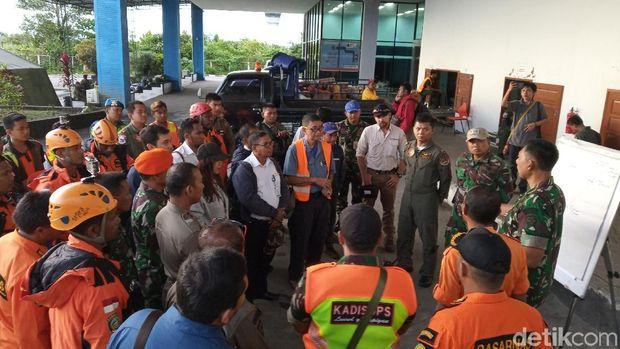 Pagi Ini Tim SAR Gabungan Evakuasi Korban Pesawat Twin Otter Jatuh di Papua