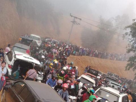 Negeri di Atas Awan Gunung Luhur: Mendadak Macet Usai Viral