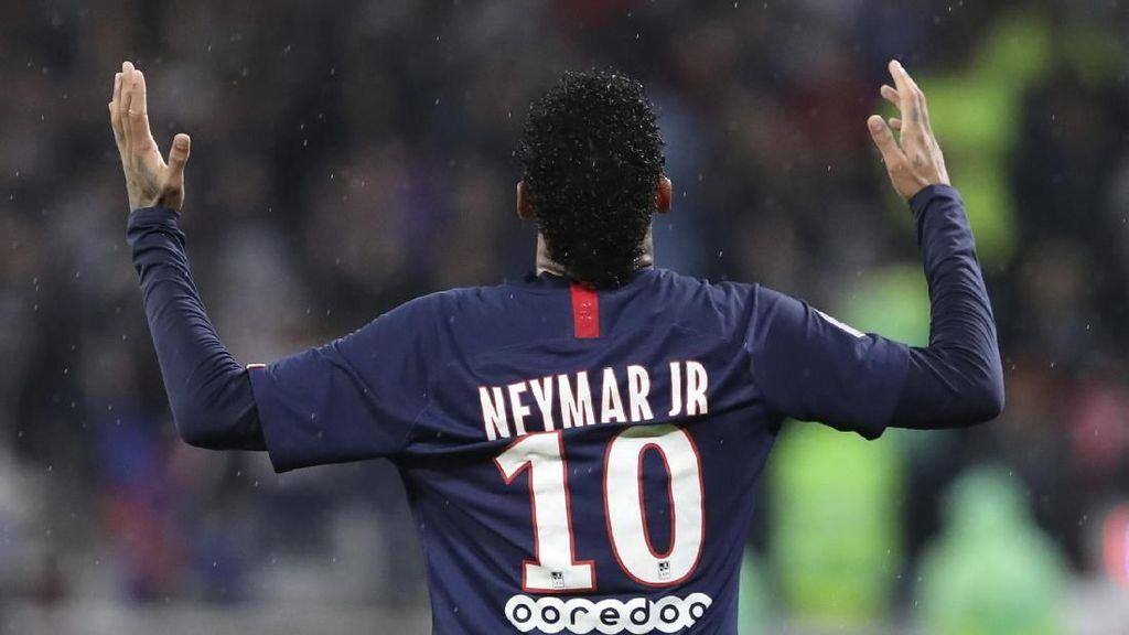 Neymar Menangkan PSG di Markas Lyon