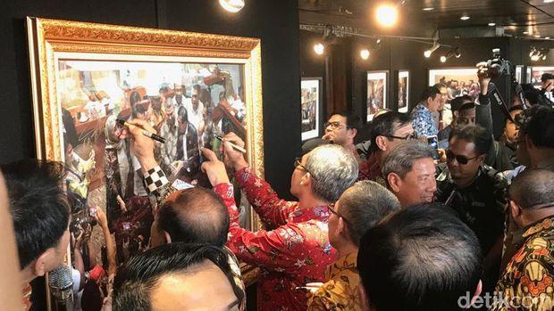 'Mesranya' Pimpinan KPK Alexander Marwata dengan Jajaran Komisi III DPR