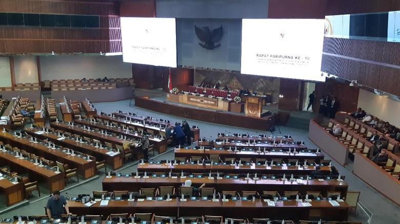 Baru Dibuka, Paripurna DPR Diskors untuk Lobi-lobi RUU Pemasyarakatan