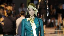 Foto: 15 Busana Timeless dari Prada di Milan Fashion Week 2019