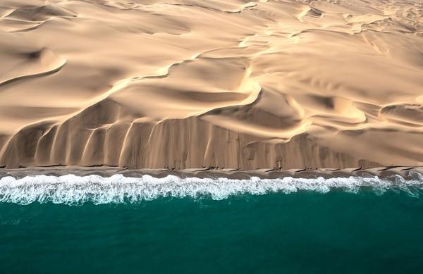 Skeleton Coast berada di antara utara Namibia dan selatanPenduduk aslinya disebut Saan atau Bushmen. (iStock)