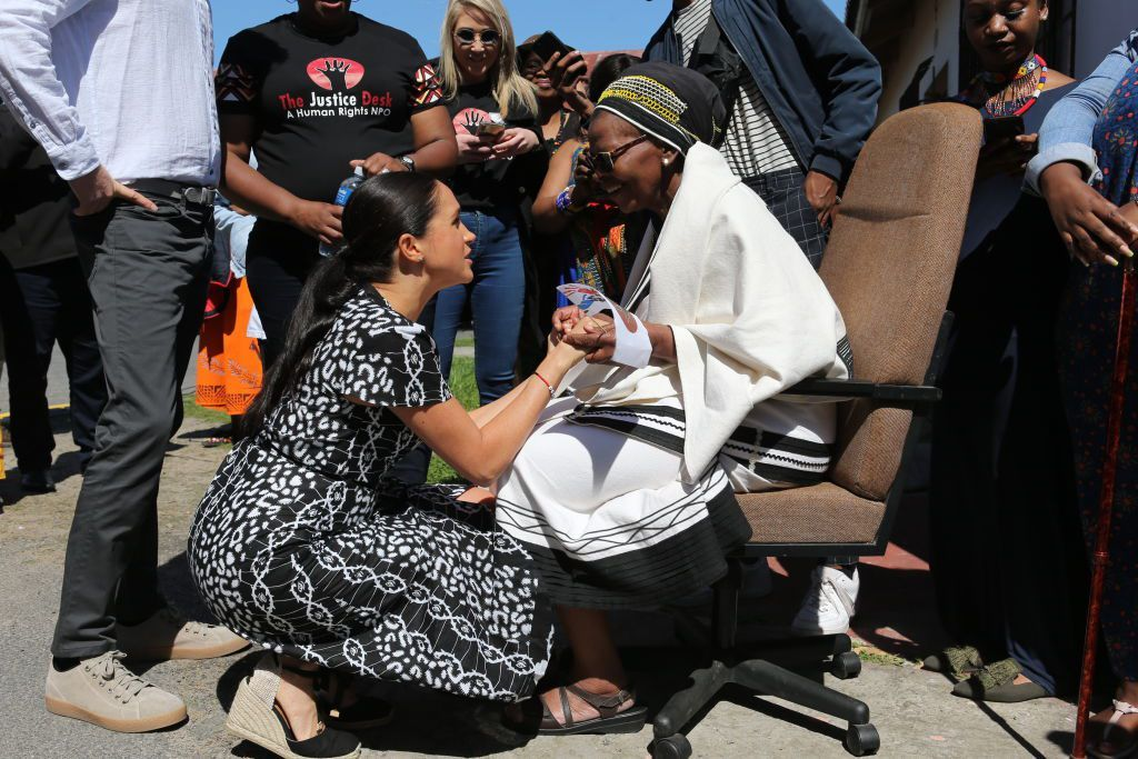 CAPE TOWN, SOUTH AFRICA - SEPTEMBER 23: Meghan, Duchess of Sussex and Prince Harry, Duke of Sussex visit The Justice Desk on September 30, 2019 in Cape Town, South Africa. The Justice Desk initiative teaches children about their rights and provides self-defence classes and female empowerment training to young girls in the community.  (Photo by Ian Vogler - Pool/Getty Images)