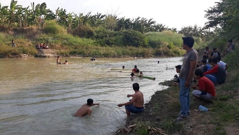 Mandi di Sungai, Seorang Remaja Ditemukan Tewas di Sungai Grobogan