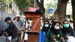 Berkah Pedagang Keliling di Balik Aksi Demo Mahasiswa