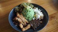 Rice and Cheese: Nasi Pulen Berlumuran Keju yang Gurih Ada di Sini