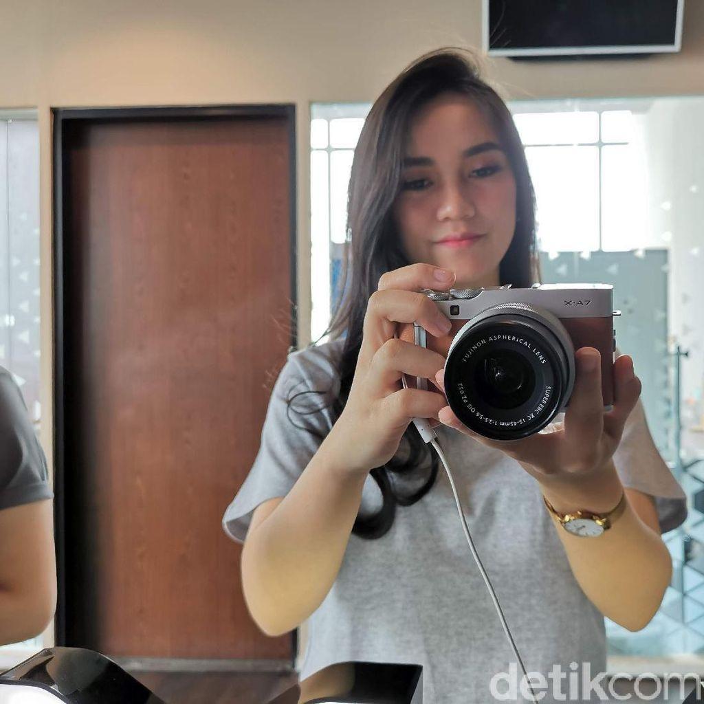 Fujifilm Rilis X-A7, Si Mirrorless Pintar