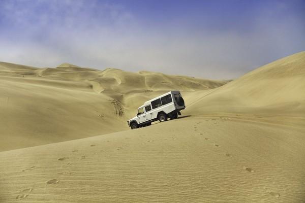 Alam Skeleton Coast hanya bisa dijelejahi dari pintu utara antara Mowe Bay dan Sungai Kunene. Untuk tiba di Sungai Kunene, wisatawan harus melaluis operator khusus seperti Afrika Travel Resource (ATR) dan Wildspace Adventure. (iStock)