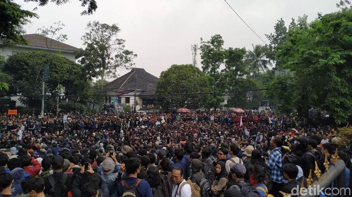 Demo mahasiswa di bandung