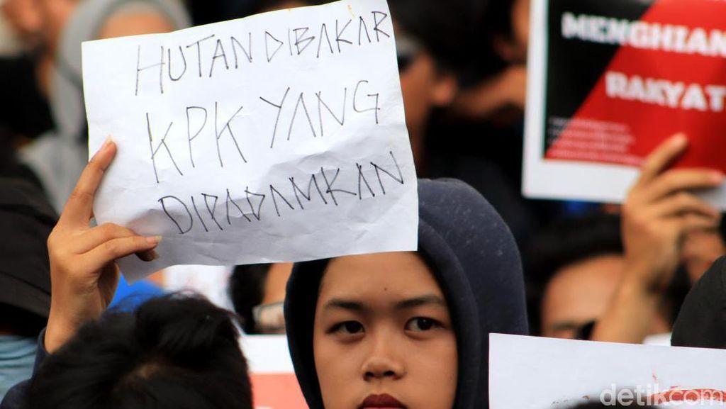UU KPK Baru Jadi PR Jokowi Agar Tak Bikin Investor Ragu