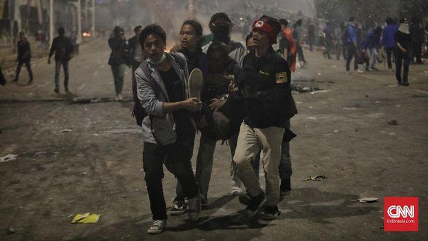 Polisi Intimidasi dan Pukuli Jurnalis Saat Liput Aksi di DPR
