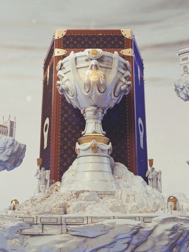 Koper Piala League of Legends Buatan Louis Vuitton